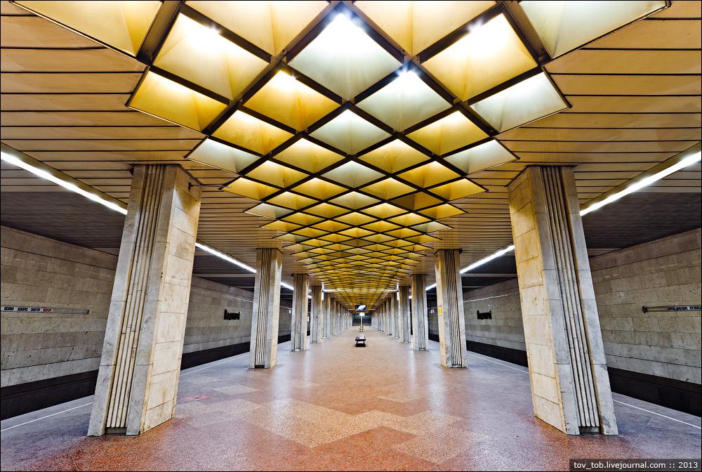 фото метро выдубичи киев текста взята